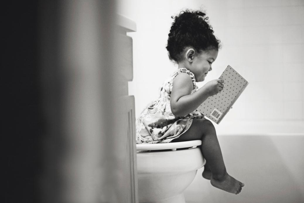 reading-on-potty